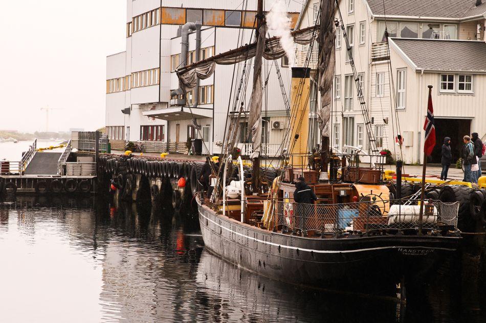 """Seildampskipet """"Hansteen"""" ble besluttet bygd av det Attende Ordentlige Storting i 1866"""