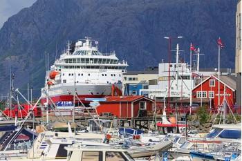 From Brønnøysunds harbor